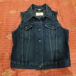 Levi's Stonewashed Cropped Black Trucker Vest W S
